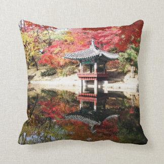 Seoul-Herbst-Japaner-Garten Zierkissen