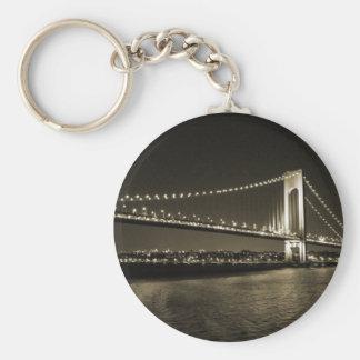 Sepia-Brücke keychain Schlüsselanhänger
