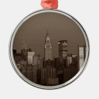 Sepia-New- York CitySkyline Silbernes Ornament
