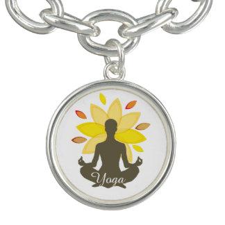 Serene Yoga-Lotos-Pose Charm Armband