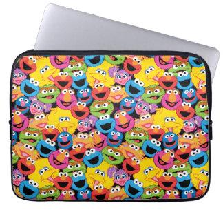 Sesame Street-Charakter stellt Muster gegenüber Laptopschutzhülle