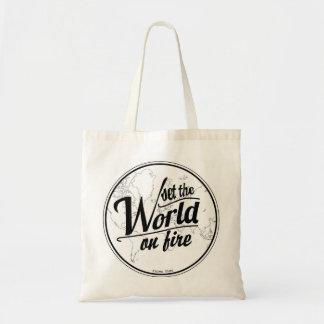 Set die Welt auf Feuer-Tasche Tragetasche