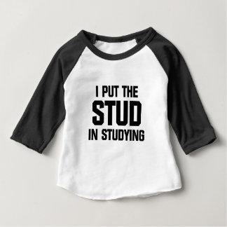 Setzen Sie den Bolzen in das Studieren ein Baby T-shirt