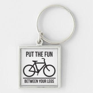 Setzen Sie den Spaß zwischen Ihre Beine (Fahrrad) Schlüsselanhänger
