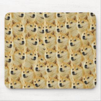 shibe Dogespaß und lustiges meme entzückend Mousepads