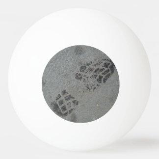 Shoe print tischtennis ball