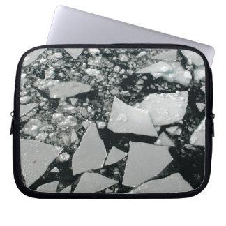 Sich hin- und herbewegende Stücke defektes Laptop Sleeve