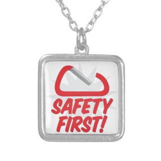 Sicherheit erste versilberte kette