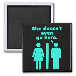Sie geht nicht einmal hier Schwarzes blaues Quadratischer Magnet