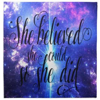 Sie glaubte an schillernde Himmel Serviette