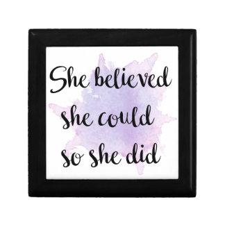Sie glaubte, dass sie könnte erinnerungskiste