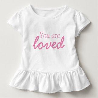 Sie sind geliebtes Kleinkind-Rüsche-T-Stück Kleinkind T-shirt