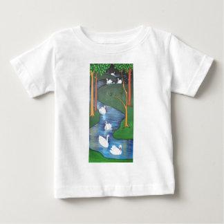 Sieben Schwäne Ein-Schwimmen Baby T-shirt