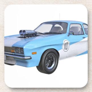 Siebzigerjahre Muskel-Auto in Blauem und in weißem Untersetzer