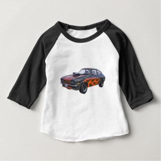 Siebzigerjahre Muskel-Auto mit orange Flamme und Baby T-shirt