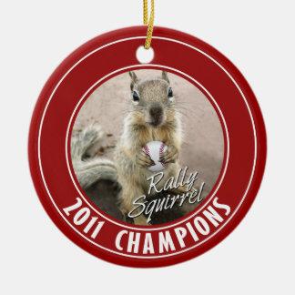 Sieger des Louis-Kundgebungs-Eichhörnchen-2011 Keramik Ornament