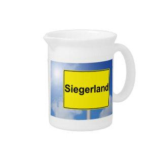 Siegerland Schild mit Himmelhintergrund Krug