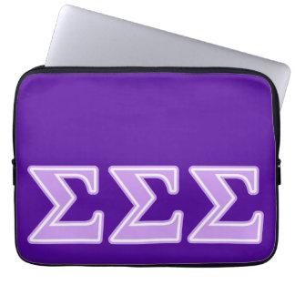 Sigma-Sigma-Sigma-Lavendel-Buchstaben Laptop Sleeve