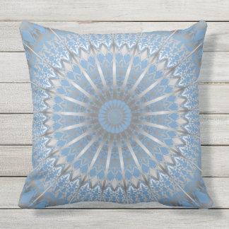 Silberne blaue Mandala Zierkissen