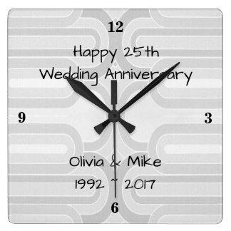 Silberne Curvy Linie 25. silberner Hochzeitstag Quadratische Wanduhr