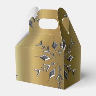 Silberner Stern auf Gold Geschenkschachtel