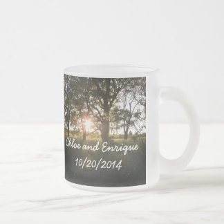 Silhouette-Bäume und Sonnenlicht personalisiertes Mattglastasse