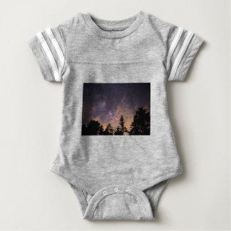 Silhouette der Bäume nachts Baby Strampler