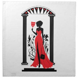 Silhouette der eleganten Frau im roten Kleid mit Serviette