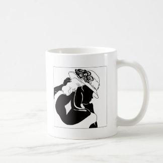 Silhouette der Frau mit einem Hut Kaffeetasse