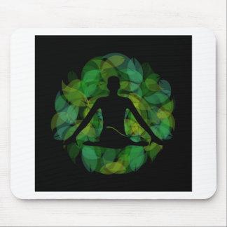 Silhouette einer meditierenden Person Mousepad