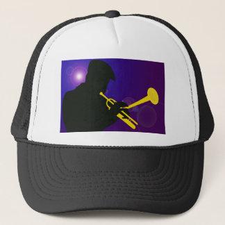 Silhouette eines Trompete-Spielers auf Lila und Truckerkappe