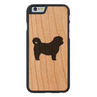 Silhouette Shih Tzu Carved® iPhone 6 Hülle Kirsche
