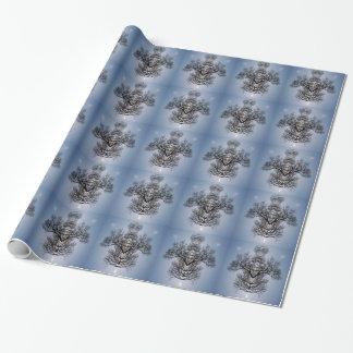 Silhouettiertes Baummuster und blauer Himmel Geschenkpapier
