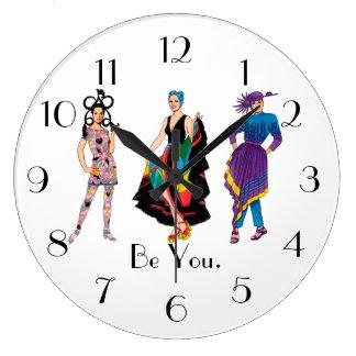Sind Sie. Mode-Entwurffashionista-Diva Große Wanduhr