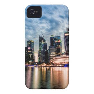 Singapur-Dämmerungs-Skyline iPhone 4 Etuis