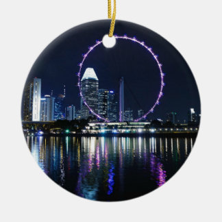 Singapur-NachtSkyline Rundes Keramik Ornament