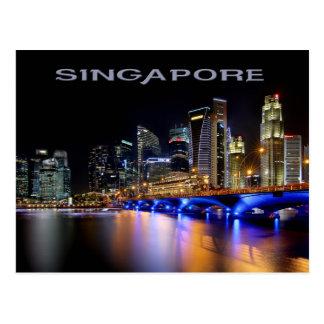 Singapur-Skyline und die Esplanade-Brücke Postkarte