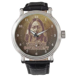 Sitting- Bullvertrauen die Regierungs-Uhr Armbanduhr