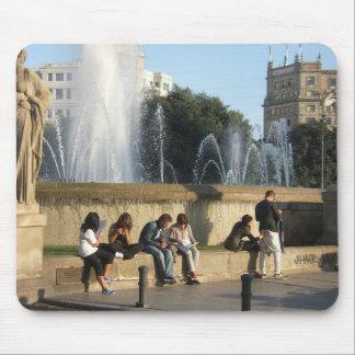 Sitzen Sie in Barcelona Mousepad