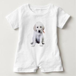 Sitzendes Labrador Baby Strampler