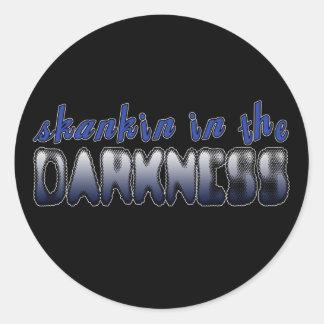 Skankin im Dunkelheit DUBSTEP TANZ Runde Aufkleber