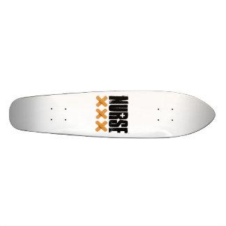 Skateboard mit Krankenschwester-Entwurf