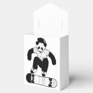 Skateboarding Panda Geschenkschachtel