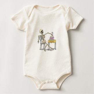 sKeLeToN Geburtstags-Kuchen Baby Strampler