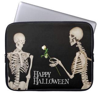 Skelette lustiges romantisches glückliches laptopschutzhülle