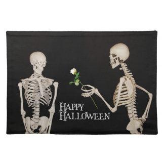 Skelette lustiges romantisches glückliches stofftischset