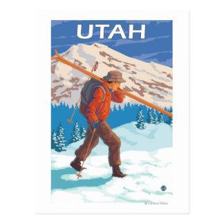 Skifahrer, der SkisUtah trägt Postkarte