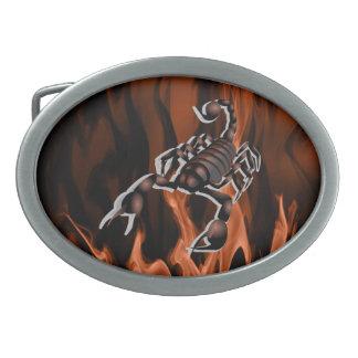 Skorpion auf orange/rote Flammen-ovaler Ovale Gürtelschnalle
