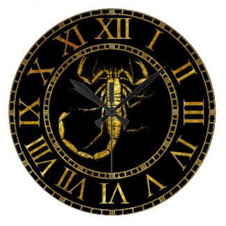 Skorpion im Gold Uhren