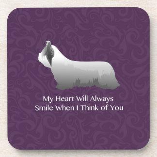 Skye Terrier, das an Sie Entwurf denkt Untersetzer